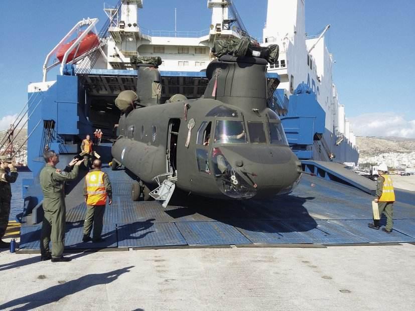 La Grèce reçoit trois Chinook d'occasion