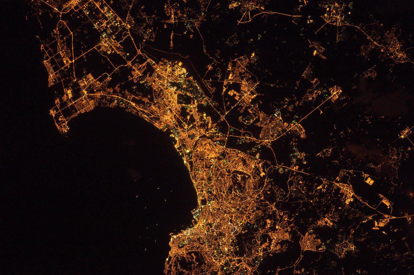 La Terre dans l'oeil de Thomas Pesquet #36 : Alger la nuit