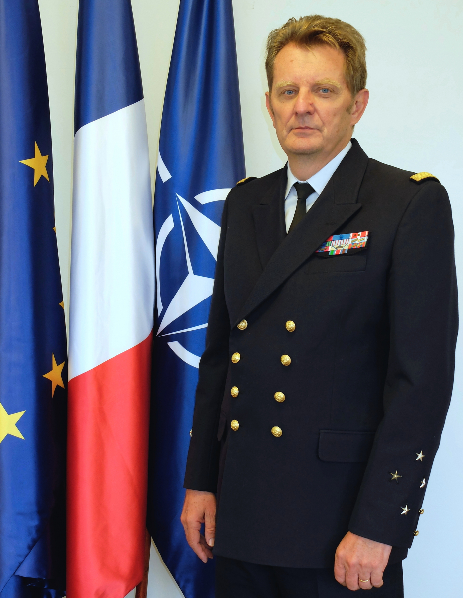 L'amiral Eric Chaperon rejoint Thales