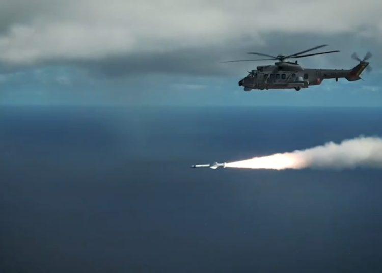 Brésil : premier tir d'un missile Exocet depuis un Airbus H225M