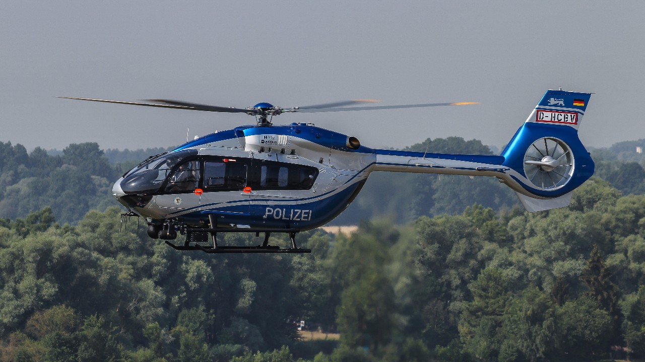 """Airbus Helicopters livre pour la première fois un H145 en version """"Police"""""""