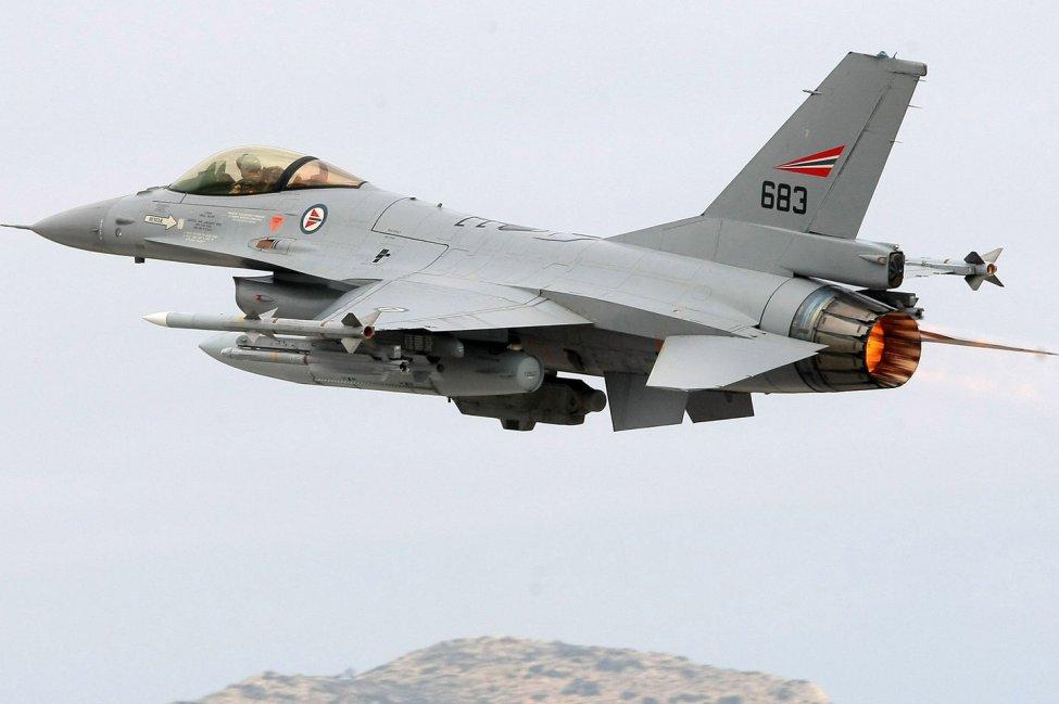 Rachat des F-16 norvégiens par une SMP ?