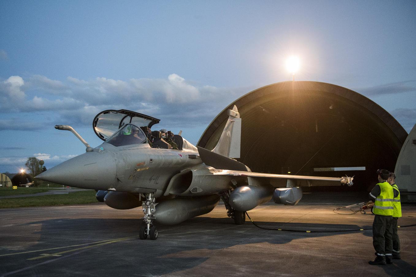 En Image : La France frappe en Syrie avec ses missiles Scalp et MDCN