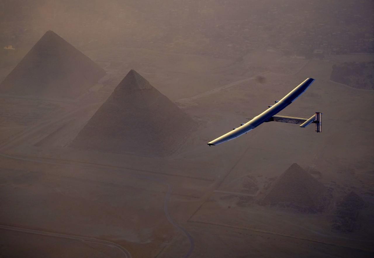 Solar Impulse se pose en Egypte