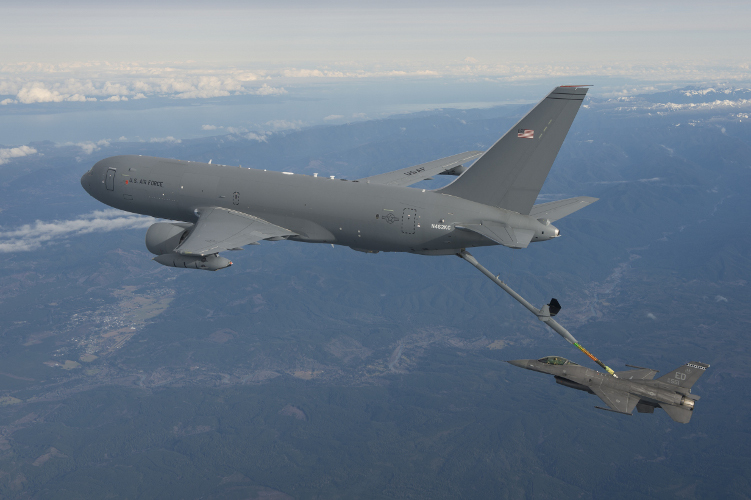 Le KC-46A effectue son premier ravitaillement en vol