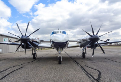 Nine-blade prop starts flight testing