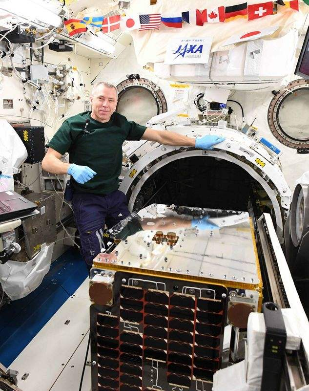 RemoveDEBRIS spacecraft launched from ISS