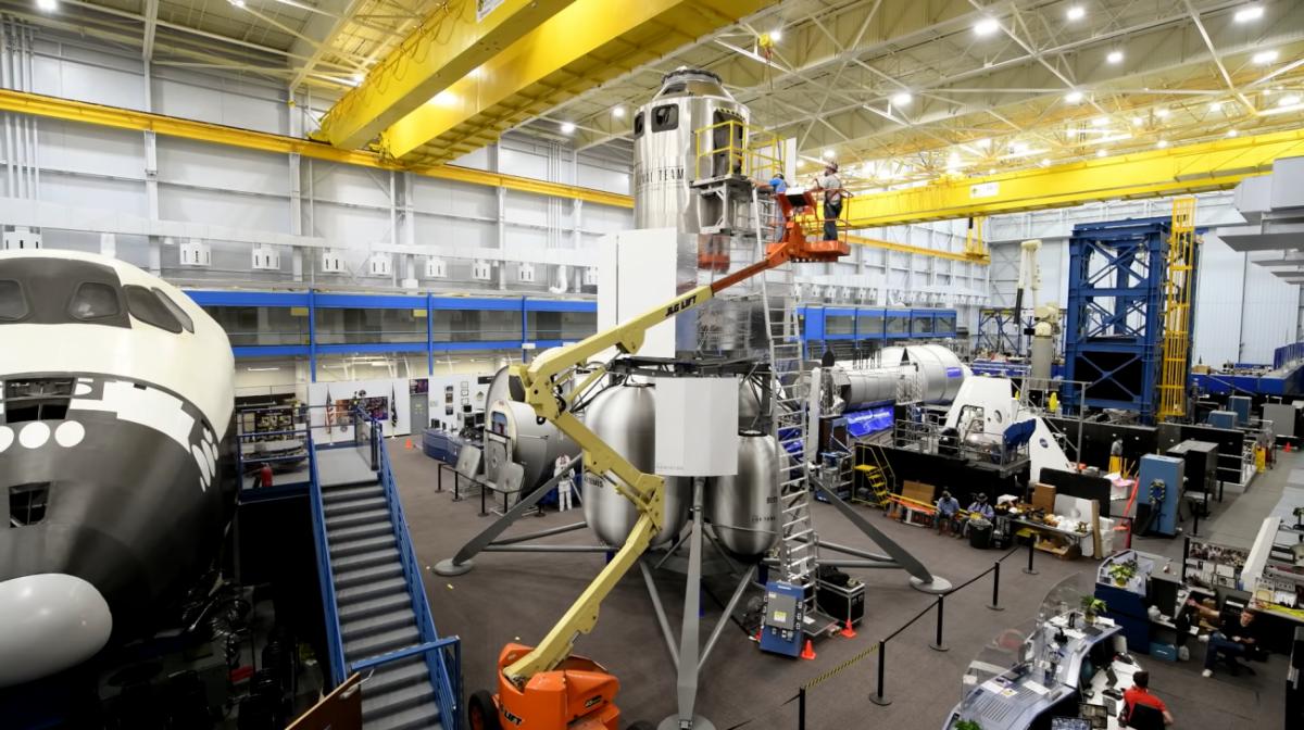 Un atterrisseur lunaire au centre d'entraînement des astronautes de la Nasa