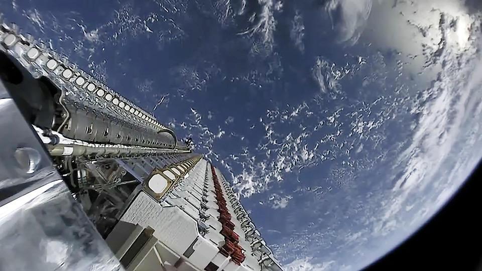 SpaceX démarre le déploiement de sa constellation Starlink