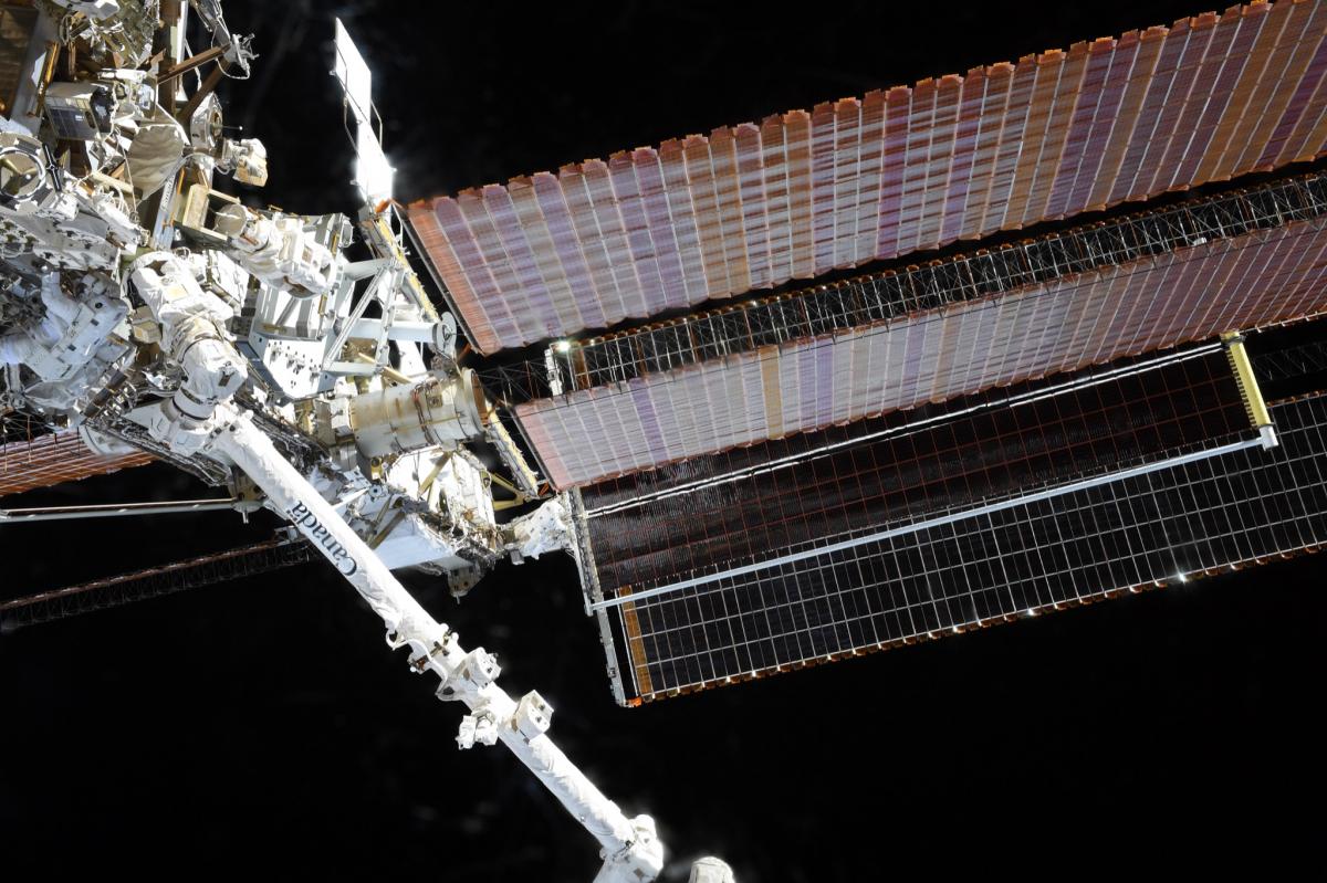 De nouveaux panneaux solaires installés sur la Station spatiale internationale