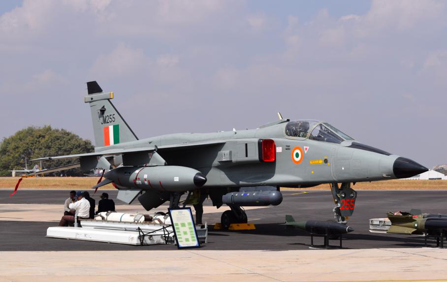 Aero India 2017 : Un Jaguar au long nez