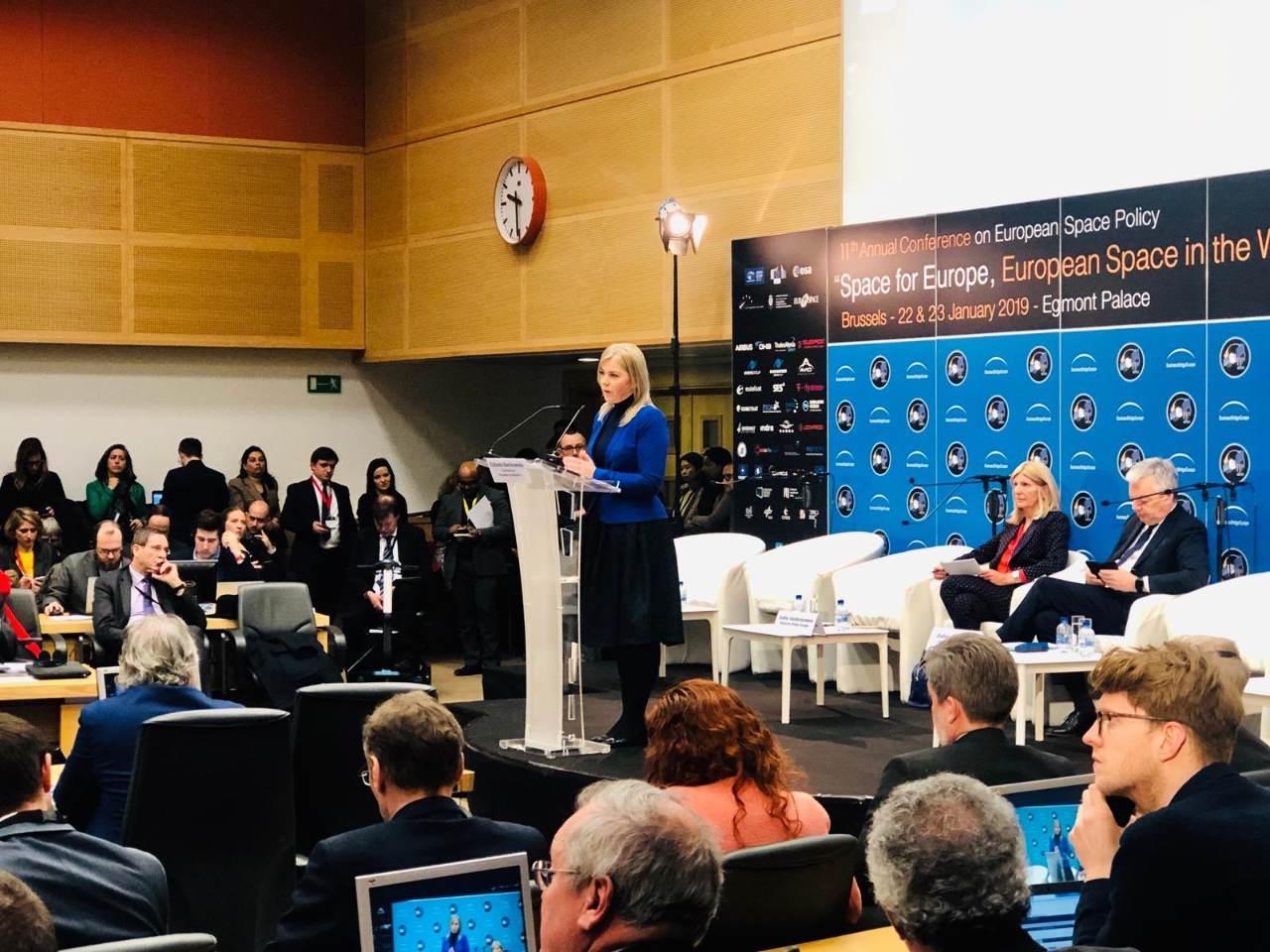 La commissaire Bienkowska réclame une vision pour l'Europe spatiale