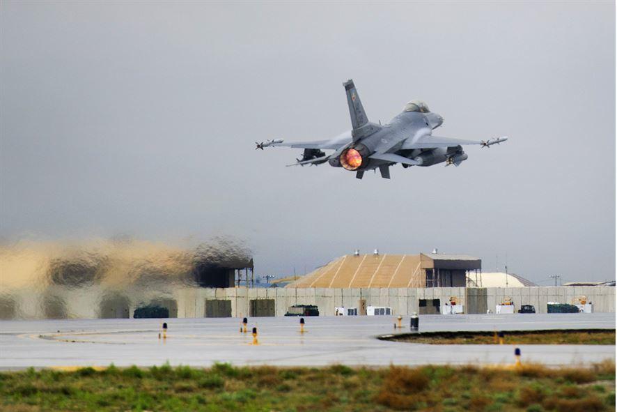 Un F-16 s'écrase en Afghanistan