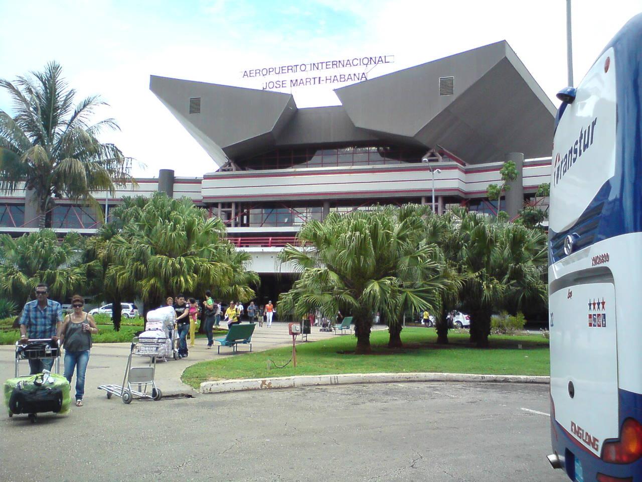 """Le groupe ADP en """"discussions exclusives"""" pour développer l'aéroport de la Havane"""