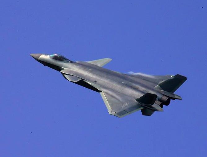 Le Chengdu J-20 bientôt équipé de moteurs chinois