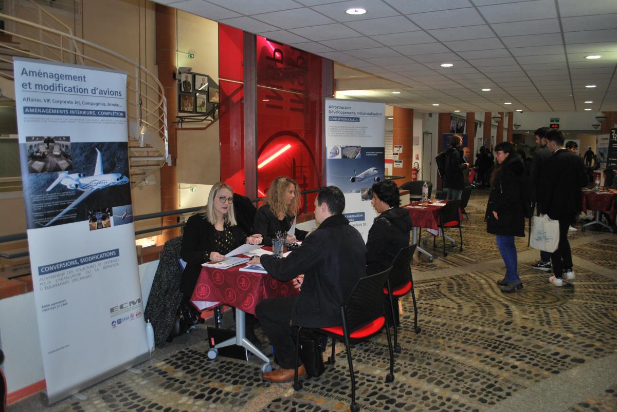 Salon Air&Jobs Toulouse : 500 candidats à la rencontre des entreprises