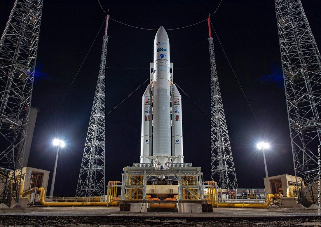 Arianespace laisse filer un satellite italien mais gagne un satellite indien