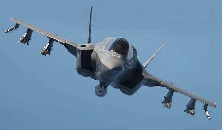 Le F-35 arrive en France