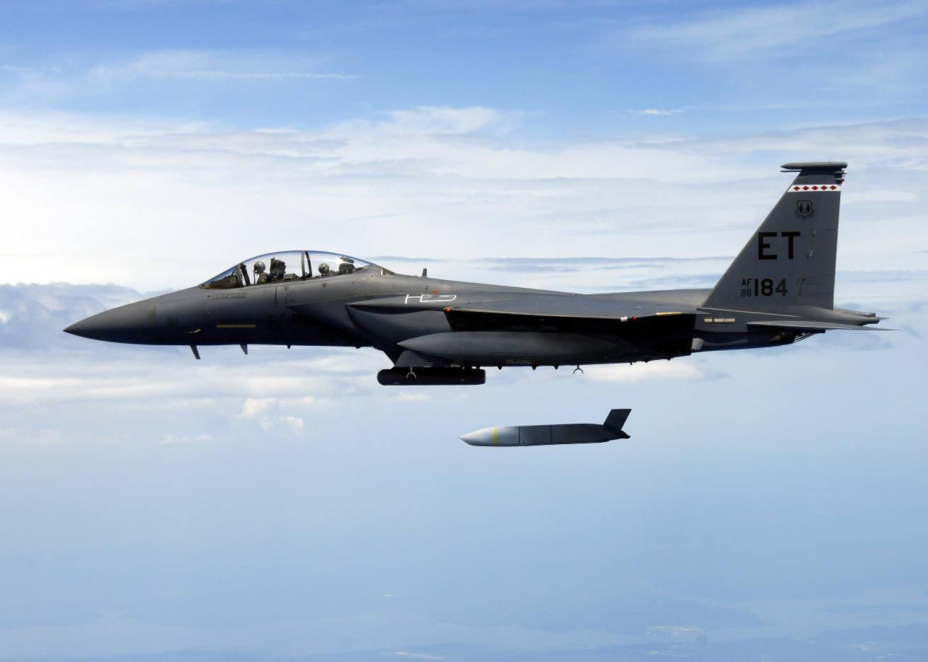Singapore Air Show 2018 : Le JASSM-ER déclaré opérationnel sur F-15E
