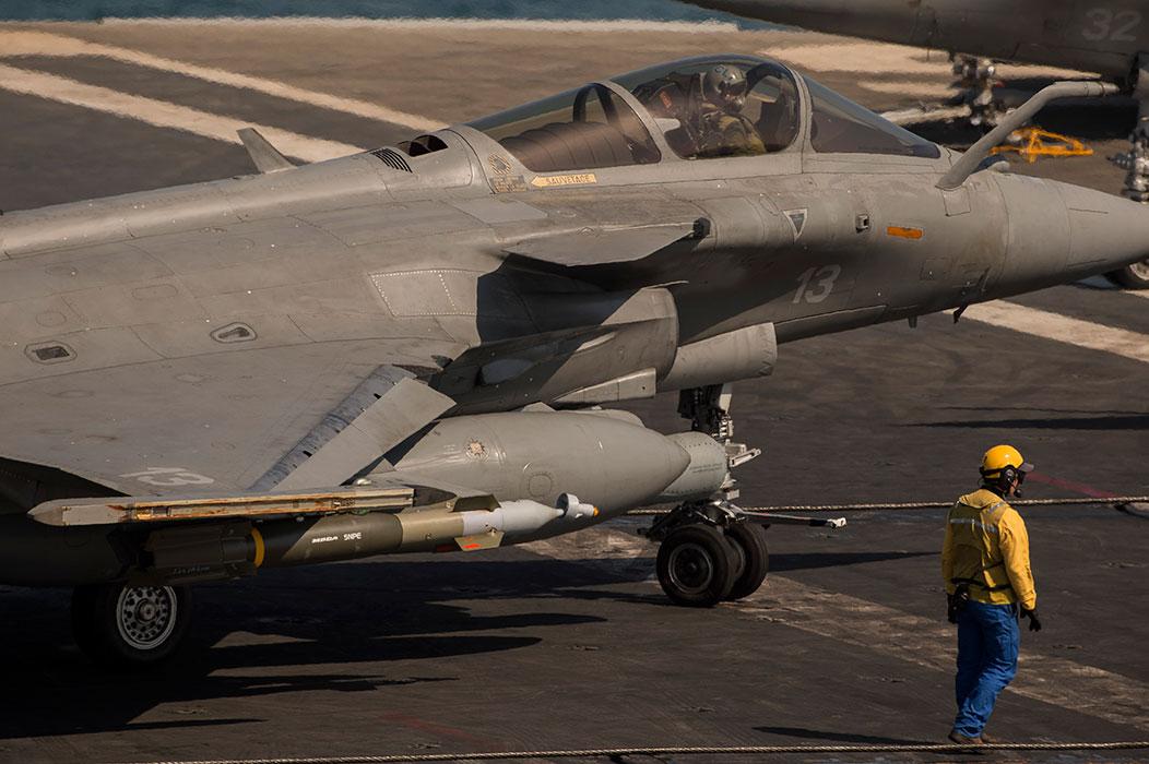 Premières frappes françaises dans la région de Tikrit