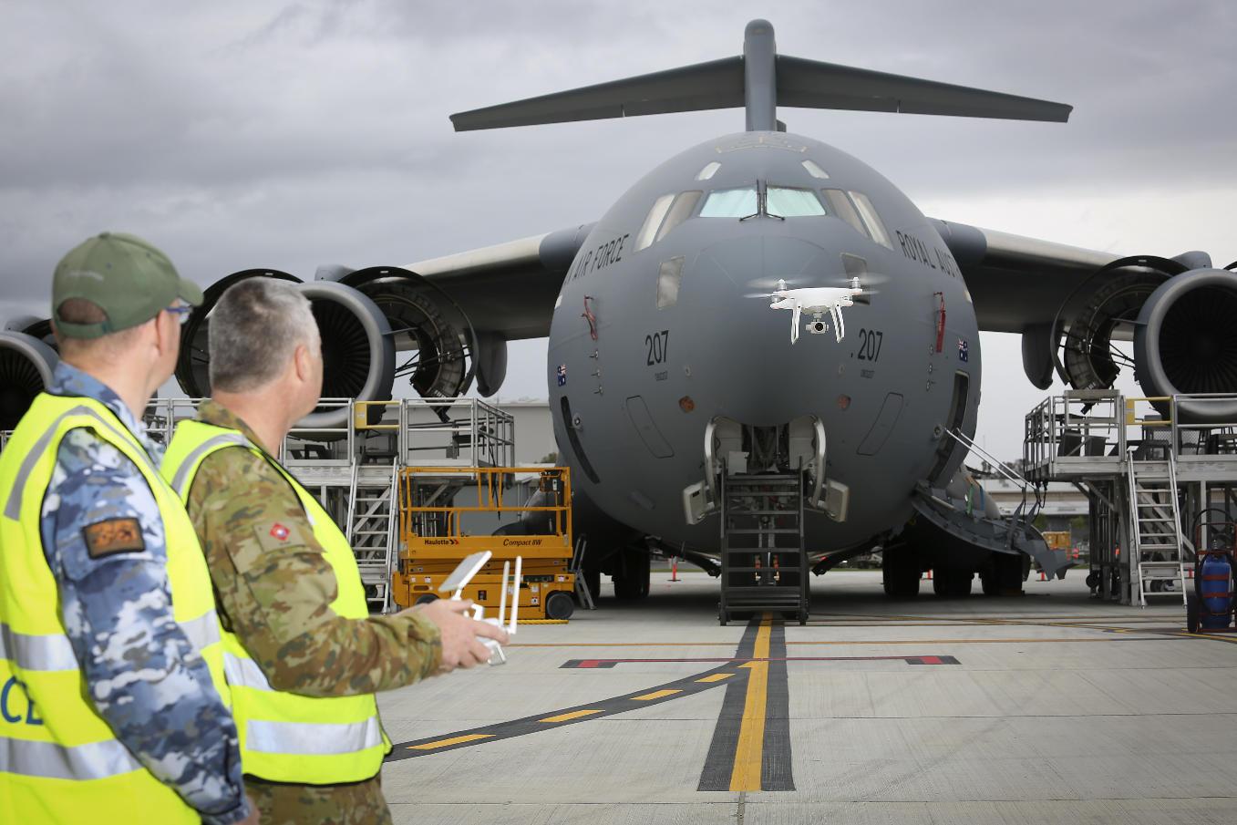La Royal Australian Air Force s'appuie sur les drones pour l'inspection de ses avions de transport C-17A