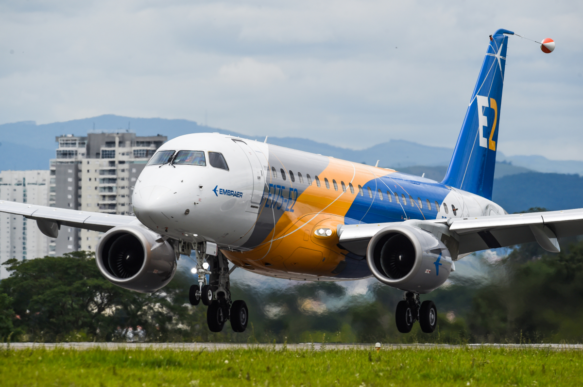 L'Embraer E175-E2 effectue son premier vol