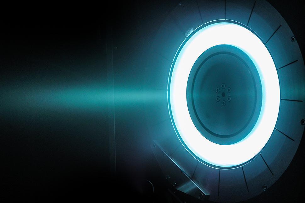 """Un chercheur, une manip"" : l'Institut ICARE explique la propulsion ionique"