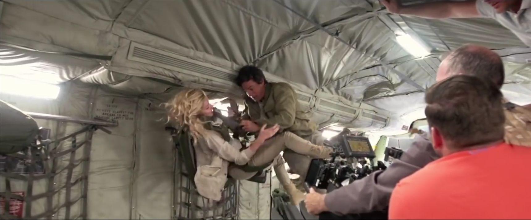 Tom Cruise (et Annabelle Wallis) en micropesanteur