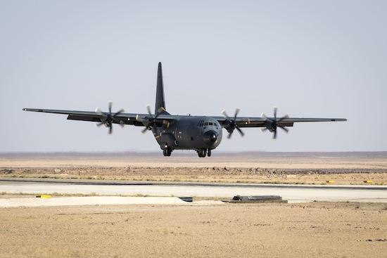 Le C-130J atterrit pour la première fois en Jordanie