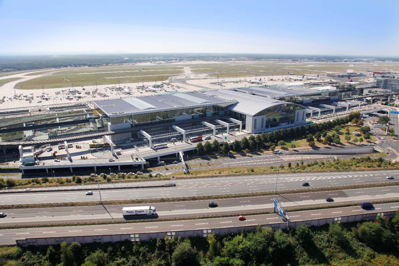 Airlines and airports to invest $33bn in IT in 2017