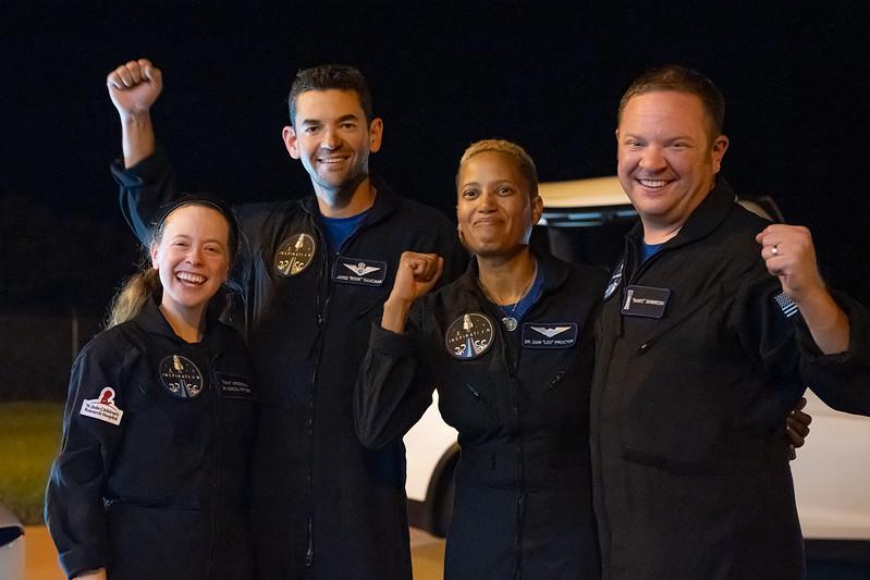 Succès du premier vol spatial 100 % privé