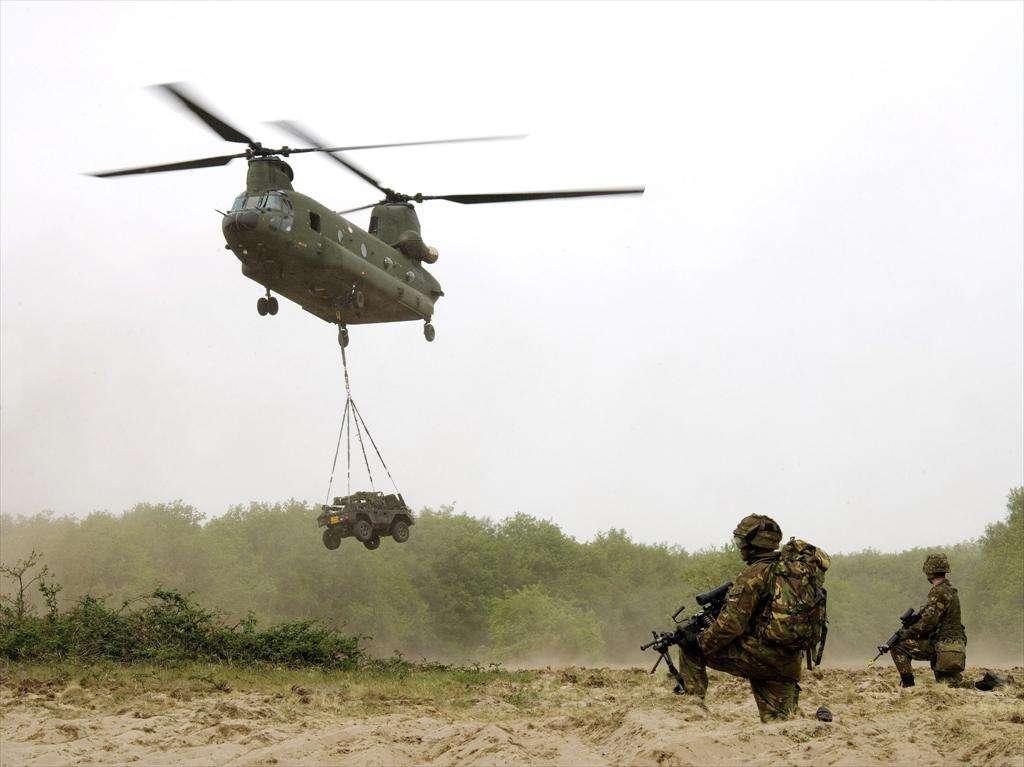 Pays-Bas: première livraison d'un CH-47F