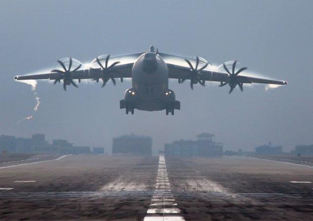 """A400M : le président d'Airbus Group reconnaît des """"erreurs énormes"""""""