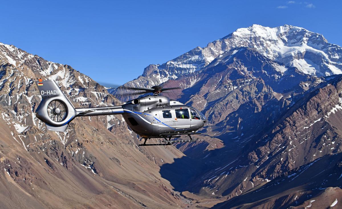 Le nouveau H145 se pose au sommet des Andes