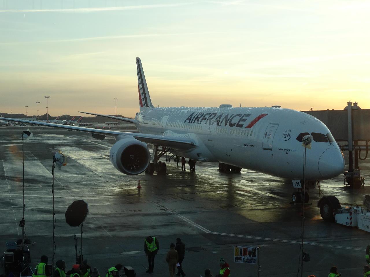 Le premier B787 d'Air France accomplit un triomphal tour d'Hexagone