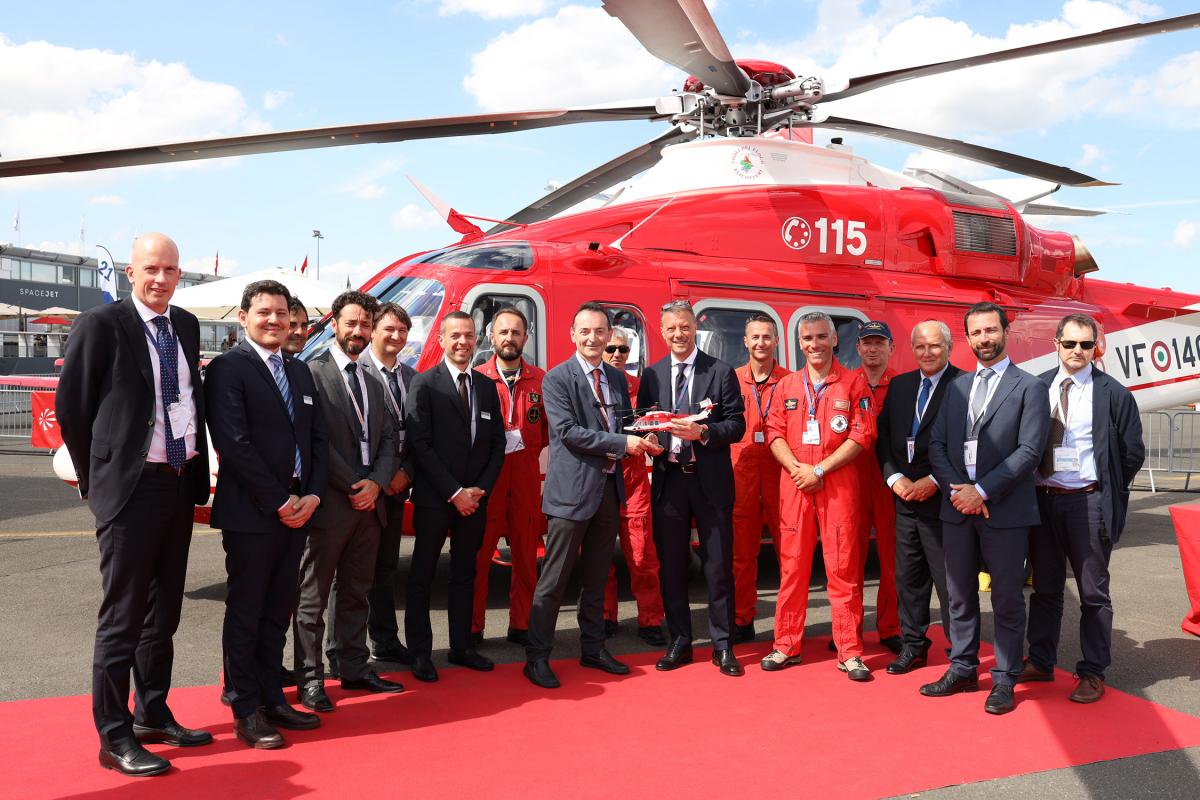 Bourget 2019: Leonardo signe un contrat pour cinq AW139