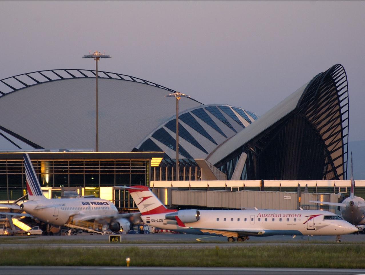Lyon Saint Exupéry rouvre aux vols commerciaux aujourd'hui