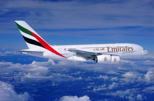 Emirates rafraîchit sa flotte d'Airbus et de Boeing