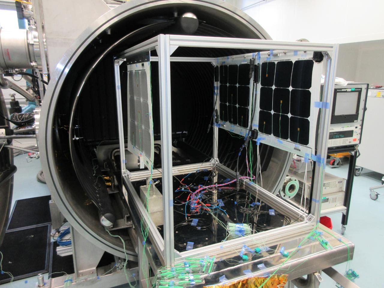 Les panneaux solaires de Stratobus bons pour le service