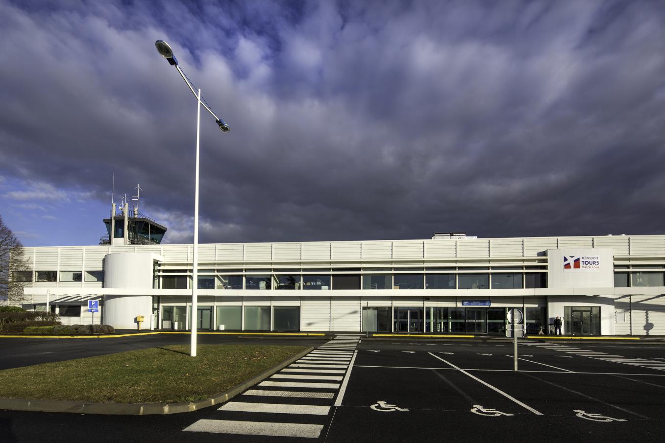 Qui va récupérer les aéroports français de SNC-Lavalin ?