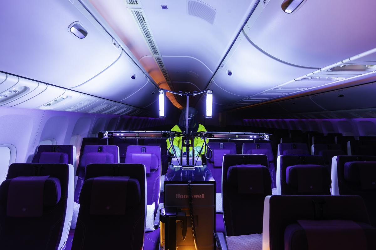 Qatar Airways désinfecte ses avions avec les robots Honeywell de deuxième génération