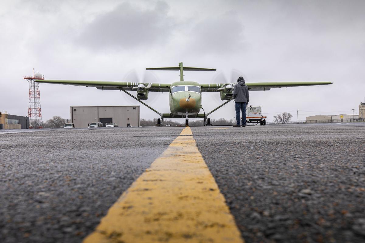 Le Cessna SkyCourier aux essais moteurs