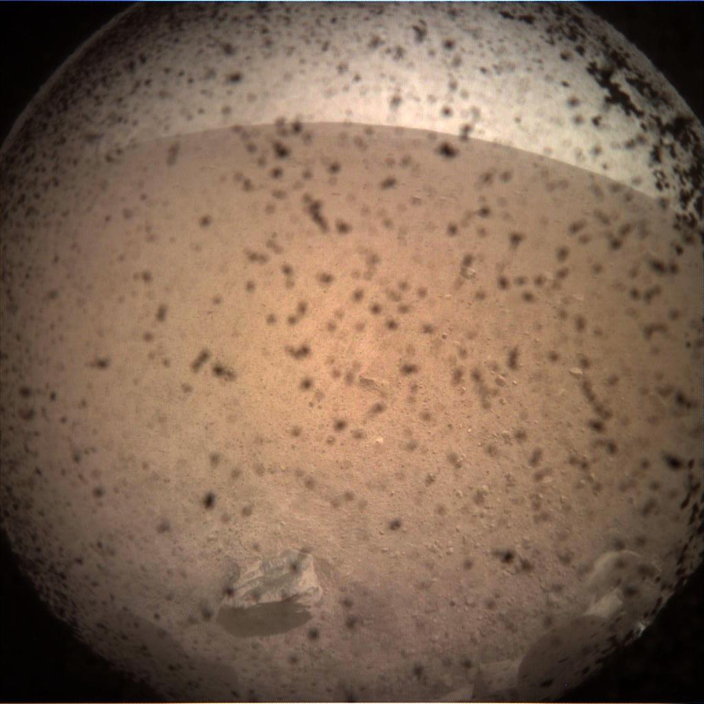 La sonde InSight a frôlé les ennuis lors de son atterrissage sur Mars !