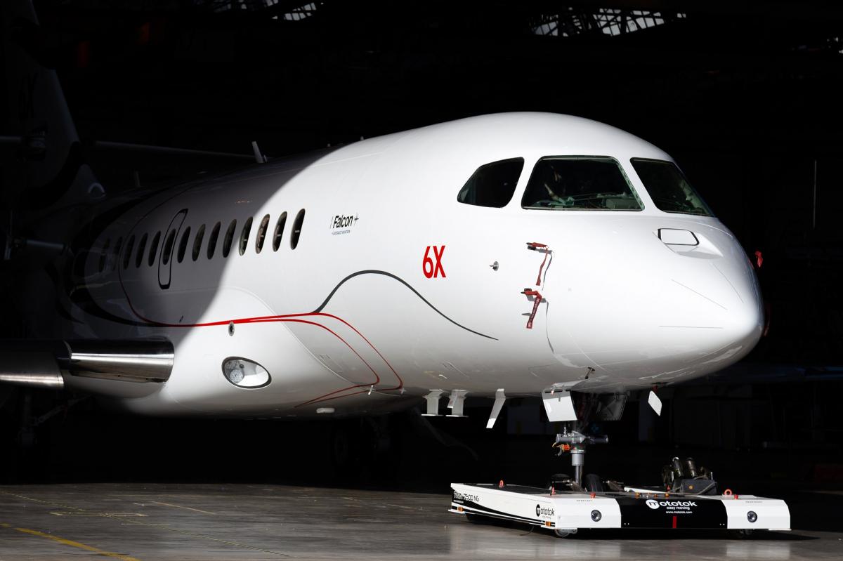Le Falcon 6X a fait sa sortie d'usine