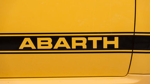 Thumb abarth sign 04