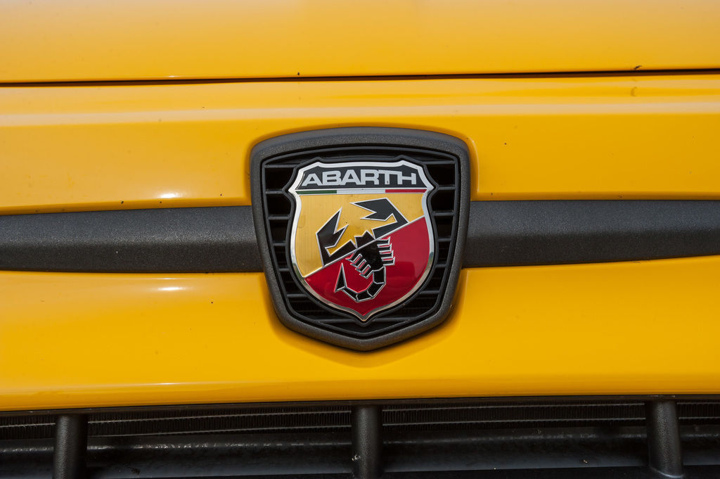 Content abarth sign 08