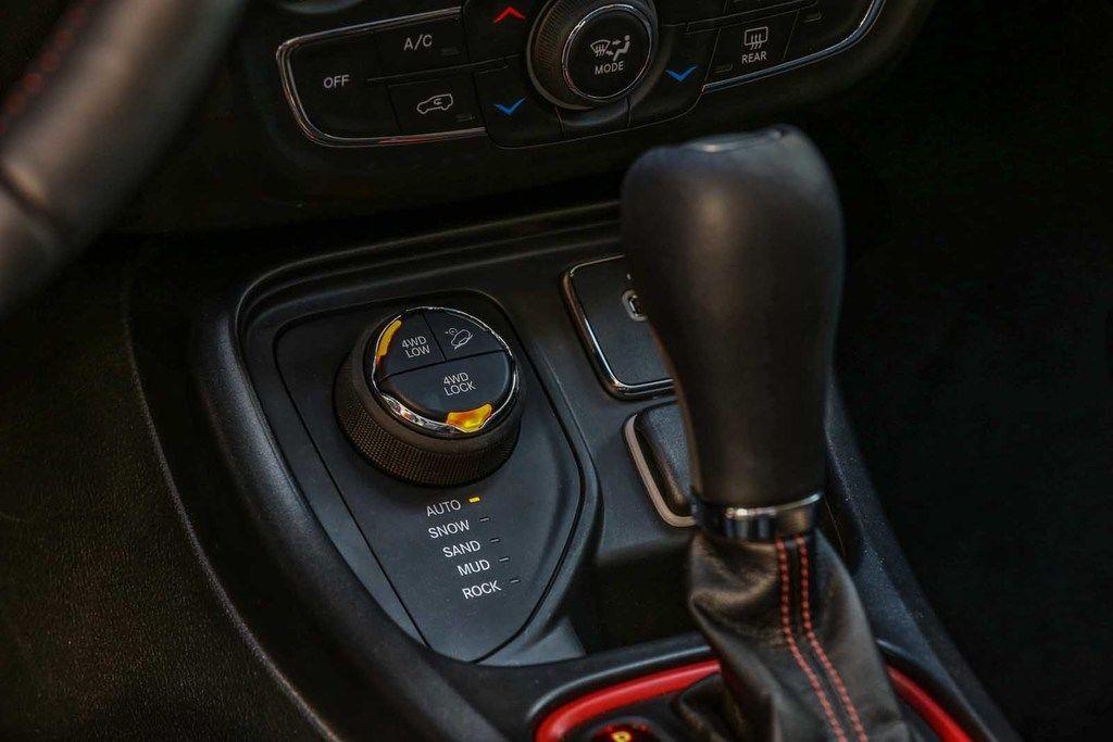 Content 170607 jeep compass trailhawk 32