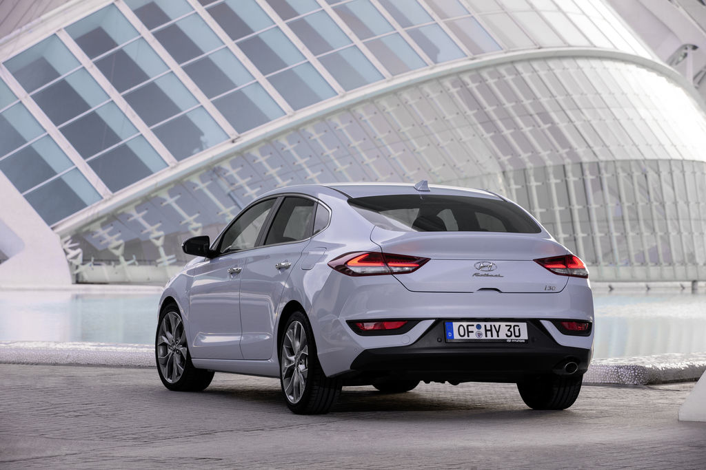 Content all new i30 fastback  22