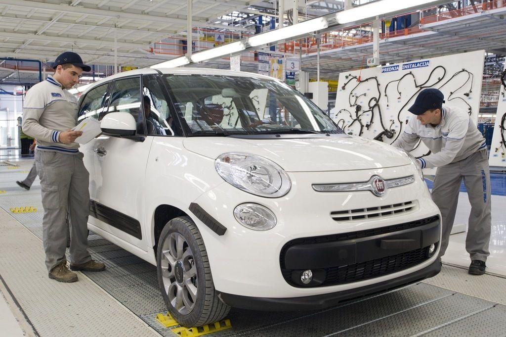 Content fiat 500l kragujevac serbia assembly plant
