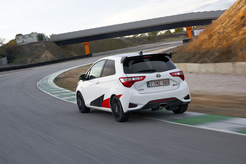 Content 150 yaris grmn dynamic track